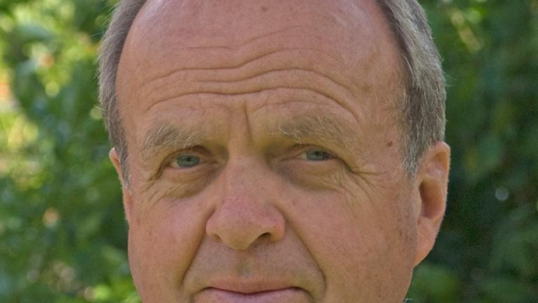 Vinx, Dr. Roland